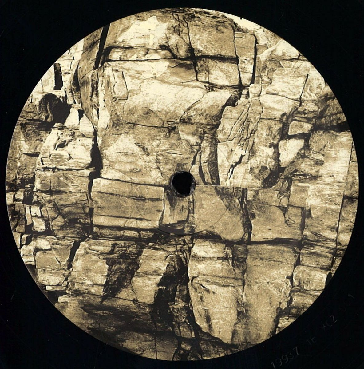 Various Artists - Invisible Limits (XOZ)